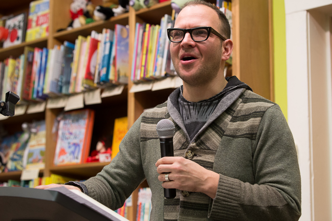 20 08 47IMG 3778 proof Author Cory Doctorow speaking at The Booksmith in San Francisco