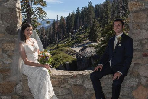 Shooting weddings in Yosemite National Park provides so many opportunities for such beautiful photos. #yosemite #yosemitenationalpark #wedding #weddingphoto