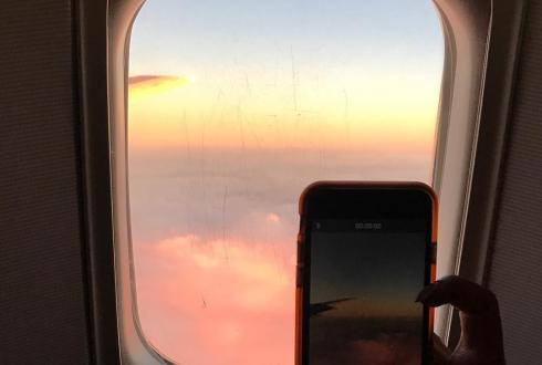 Flying back home from Hawaii. #nofilter #sunset #meta #pretty #hawaii